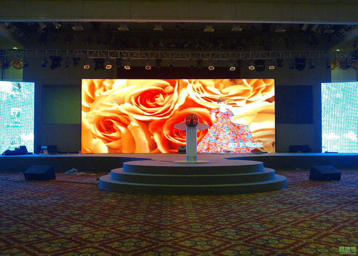 P4 SMD LED Stage Screen Rental / Multi Color Video Wall LED Display Indoor , 3 Years Warranty