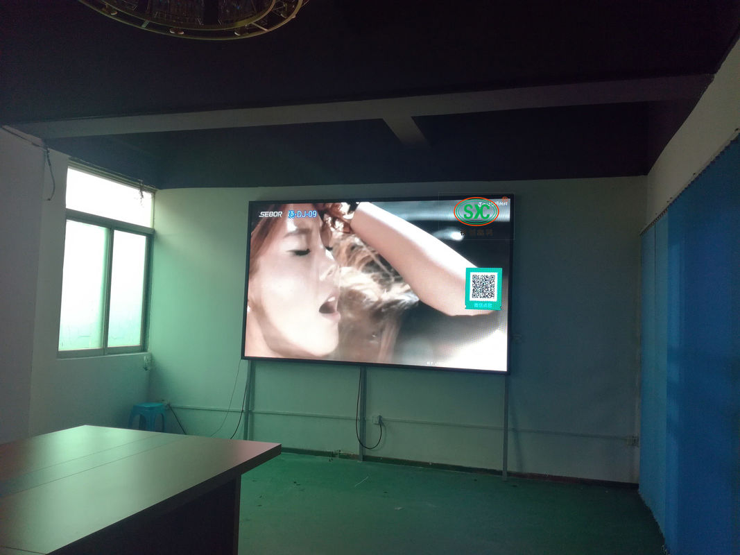 High Definition Advertising SMD LED Screen , P4 Indoor Tri Color LED Display 1200Hz